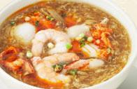 フカヒレ入り海鮮酸辣スープ